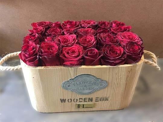 باکس چوبی گل رز 24شاخه ای